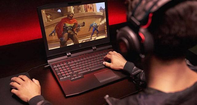laptops at game